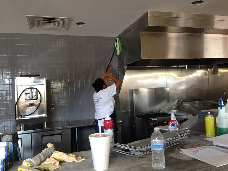 full kitchen cleaning